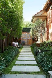 Mesmerizing Side Yard Landscaping Design Ideas to Perfect Your Garden Design 39