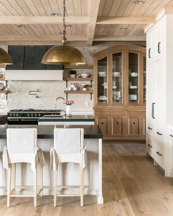 Most Amazing Kitchen Cabinet Makeover Design and Project 36