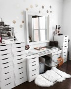 Most Comfortable Makeup Room with Mirror Decoration for Women 16