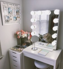 Most Comfortable Makeup Room with Mirror Decoration for Women 23