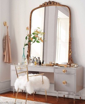Most Comfortable Makeup Room with Mirror Decoration for Women 33