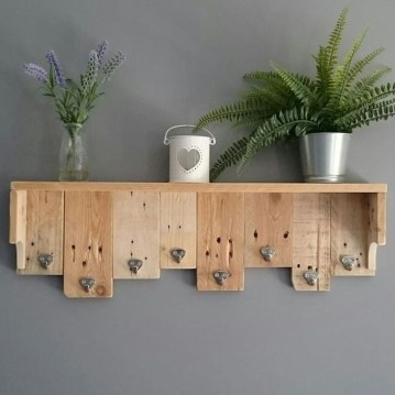 Superb DIY Wood Furniture for Your Small House and Cost-efficiency 33