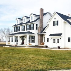 Variety of Colors Charming Exterior Design for Country Houses to Look Beautiful 10