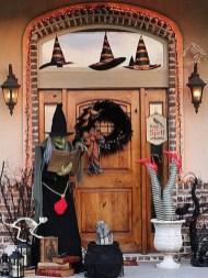 Best DIY Halloween Decorations To Perfect Your Outdoor Design 11