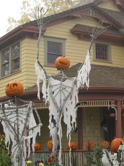 Best DIY Halloween Decorations To Perfect Your Outdoor Design 24