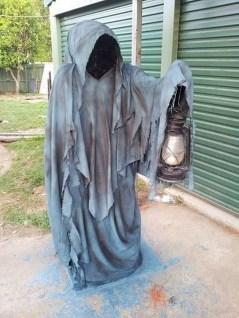 Best DIY Halloween Decorations To Perfect Your Outdoor Design 37