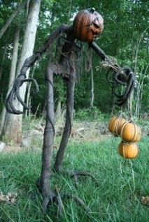 Best DIY Halloween Decorations To Perfect Your Outdoor Design 38