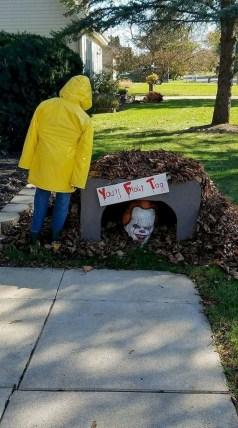 Best DIY Halloween Decorations To Perfect Your Outdoor Design 42