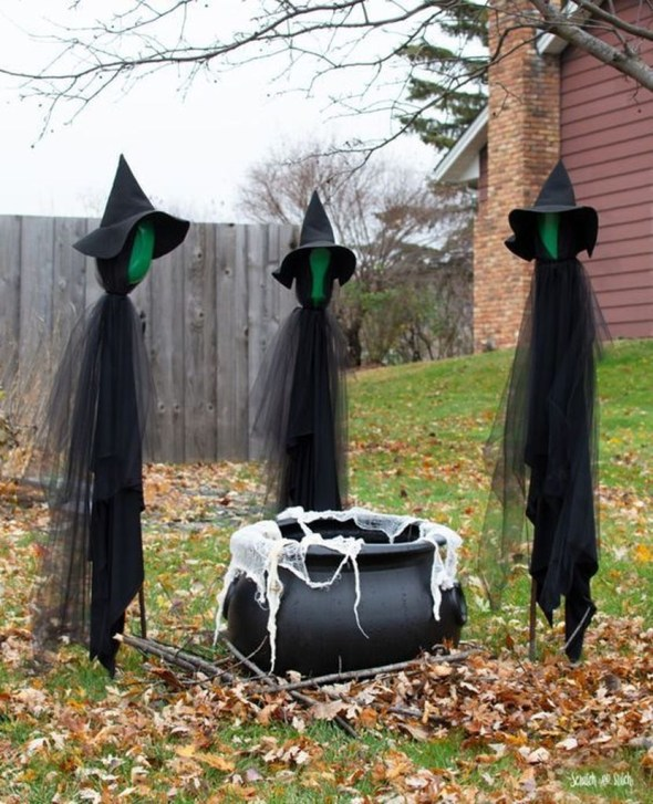 Best DIY Halloween Decorations To Perfect Your Outdoor Design 43