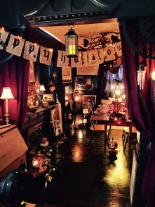 Cozy Halloween Bedroom Decorating Ideas 25