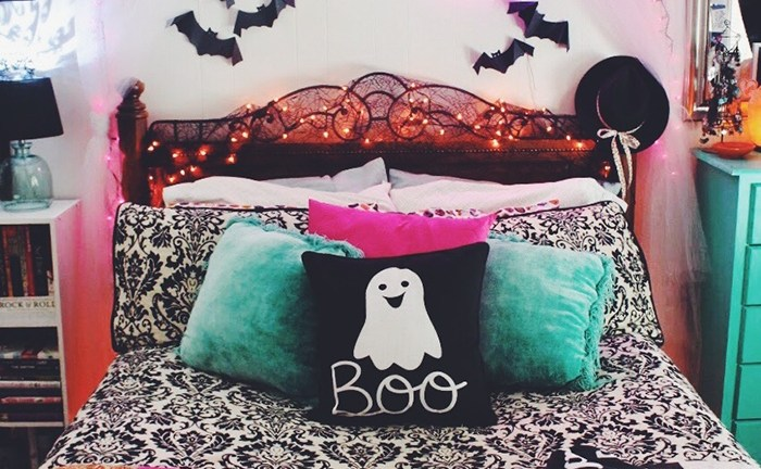 42 Cozy Halloween Bedroom Decorating Ideas