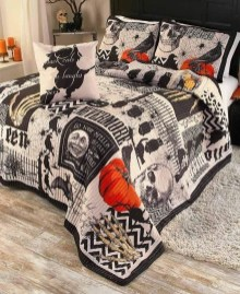 Cozy Halloween Bedroom Decorating Ideas 34
