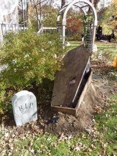 Creepy Halloween Coffin Decorations 33