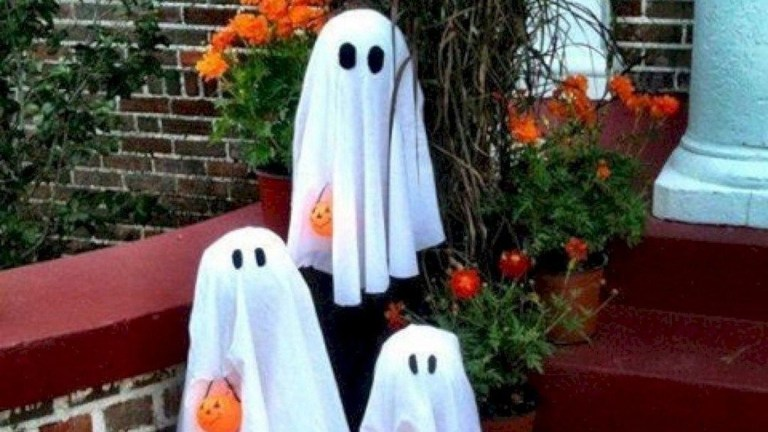 44 DIY Creepy Halloween Decorating Ideas Outdoors