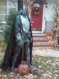DIY Creepy Halloween Decorating Ideas Outdoors 12