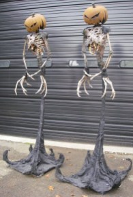 DIY Creepy Halloween Decorating Ideas Outdoors 42