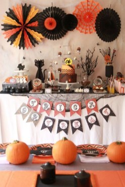 Easy and Cheap Halloween Decoration Ideas On a Budget 06