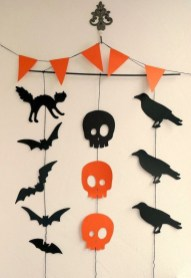 Easy and Cheap Halloween Decoration Ideas On a Budget 28