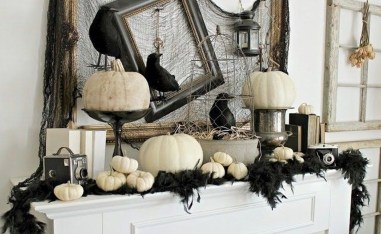 Elegant Halloween Mantel décor You Must Try In Halloween 2019 21