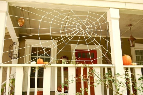 Gorgeous Halloween Ideas for Apartment Balcony This year 14