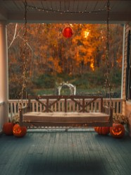 Gorgeous Halloween Ideas for Apartment Balcony This year 22