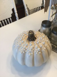 Gorgeous Pumpkin Decorating Ideas 21