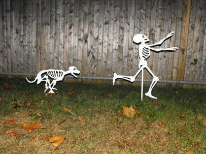 Most Amazing DIY Halloween Decoration Ideas to Make Your Outdoor Decoration More Perfect 08