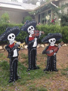 Most Amazing DIY Halloween Decoration Ideas to Make Your Outdoor Decoration More Perfect 31