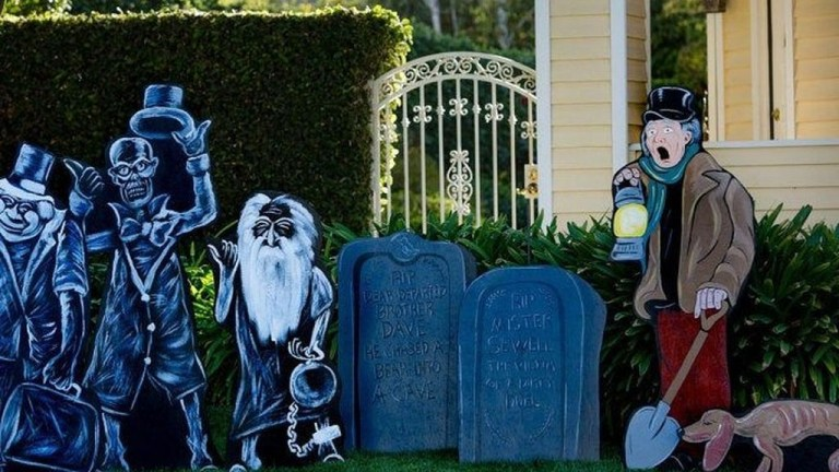 59 Most Amazing DIY Halloween Decoration Ideas to Make Your Outdoor Decoration More Perfect