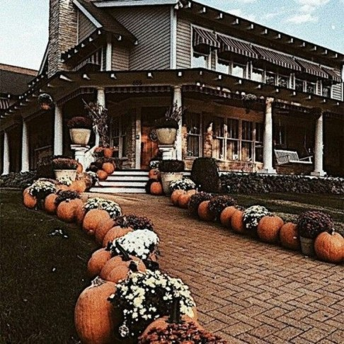 Most Beautiful Fall Decorating Ideas That Will Make More Perfect Home In This Fall 48