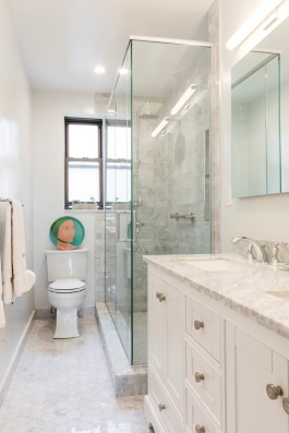 Small And Efficient Bathroom Renovation 36