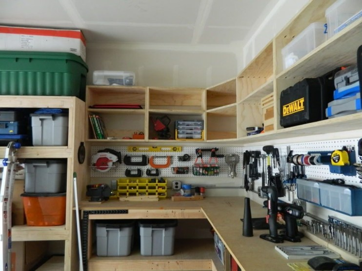 Smart and Comfortable Garage Organization for Your Small Room 07
