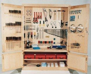 Smart and Comfortable Garage Organization for Your Small Room 25