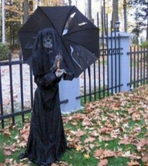 The Most Creepy Halloween Garden Decoration in Years 39