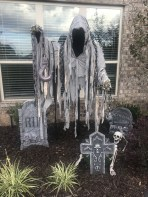The Most Creepy Halloween Garden Decoration in Years 48