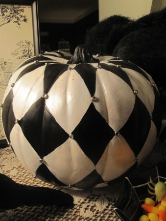 The Most Scary DIY Halloween Decoration Ideas For Your Home 10