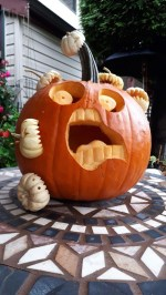 The Most Scary DIY Halloween Decoration Ideas For Your Home 17