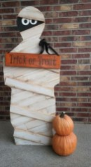 The Most Scary DIY Halloween Decoration Ideas For Your Home 19