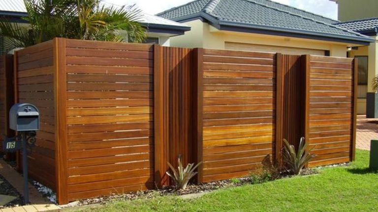 31 Perfect Wood Fence Ideas to Add Privacy for Your Modern Home