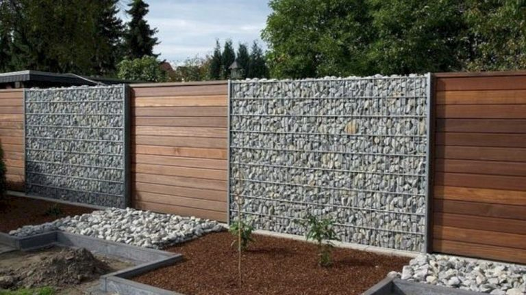 30 Most Perfect DIY Privacy Fence Ideas