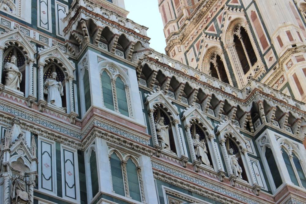 Italy 2 672