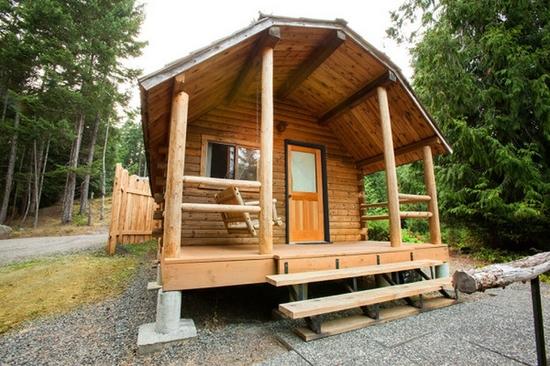 rsz_rustic_log_cabins_on_luxury_camping_resort-2