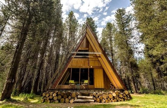 A sophisticated A-fram cabin near Yosemite.