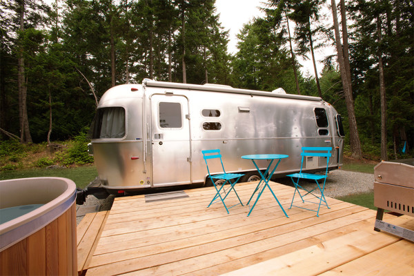 woods-on-pender-airstream-1-exterior-01-600x400