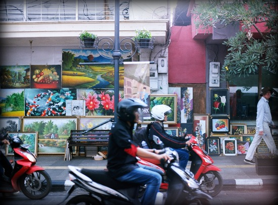 The hustle & bustle of West Java's capital city: Bandung. Photo credit: