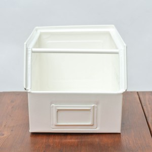 anciellitude Coloured metallic crates - soft white