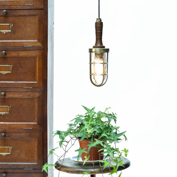 Portable lamp in brass and wood (model 2)anciellitude