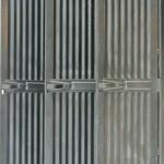 Vestiaire Strafor 3 portes en tôle ondulée anciellitude