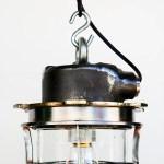Ancienne suspension en fonte d'acier anciellitude