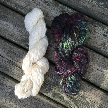 Spiral yarn before and after dyeing